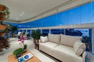 Apartamento com Varanda Goumert em Santos