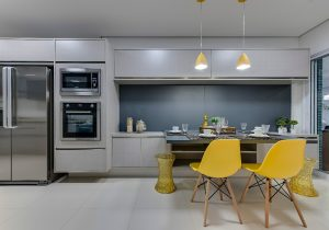 Foto de cozinha planejada em Santos